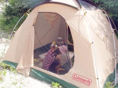 テントの中で・・・