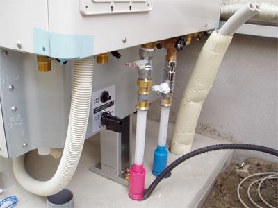 エコキュート設置 配管接続
