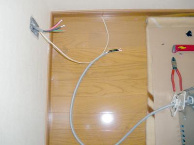 蓄熱式暖房器の電気配線の接続