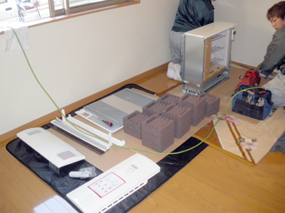 蓄熱式暖房器の組立準備完了