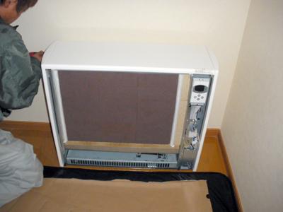蓄熱式暖房器の組立